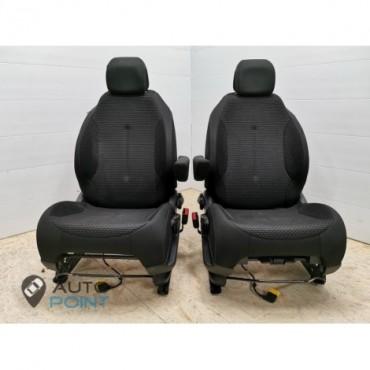 Citroen C4 - передние сиденья