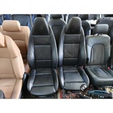 BMW Z4 - кожаные передние сиденья