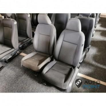 VW Golf 6 - передние сиденья