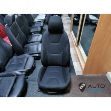 Ford Focus - переднее сиденье