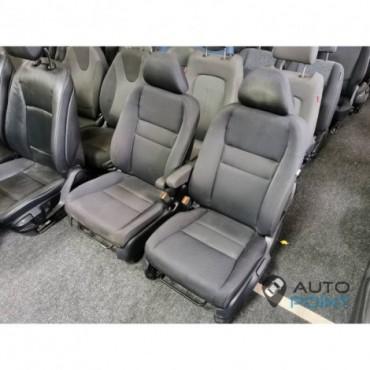 Honda CR-V - передние сиденья