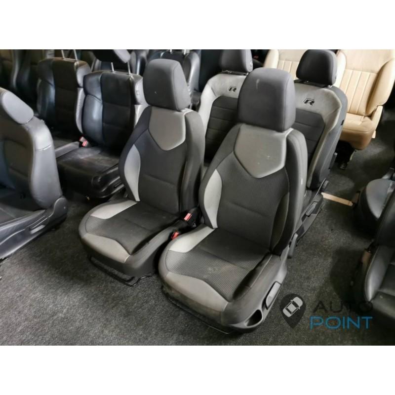 Peugeot 308 - откидные передние сиденья