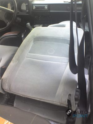 VAZ_2104_with_seats_from_Volvo_S60_d07