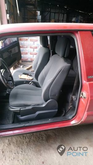 VAZ_2108_with_seats_Renault_Megane_d01