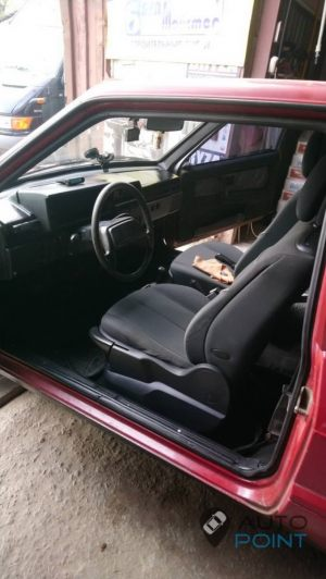 VAZ_2108_with_seats_Renault_Megane_d02