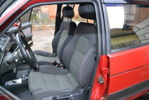 VAZ_2109_with_seats_from_Audi_A3_d01