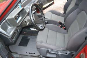 VAZ_2109_with_seats_from_Audi_A3_d03