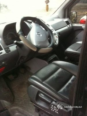 Mercedes_Vito_with_seats_Audi_A4_d01