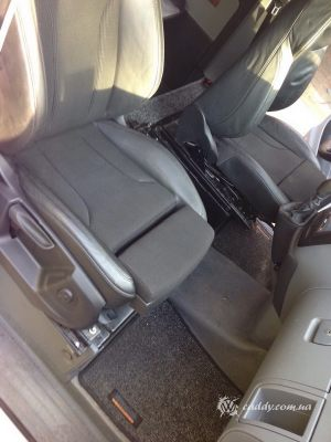 Mercedes_Vito_with_seats_Audi_Q5_d04