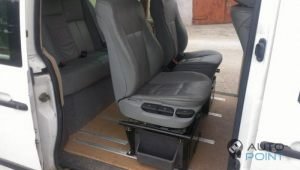 Mercedes_Vito_with_seats_BMW_E39_d02