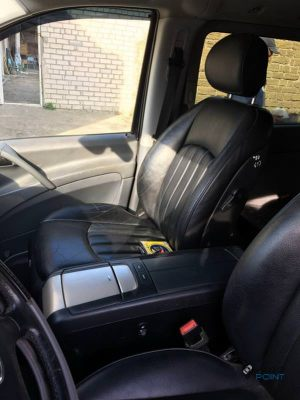 Mercedes_Vito_with_seats_Mercedes_CLS_d02
