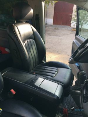 Mercedes_Vito_with_seats_Mercedes_CLS_d05