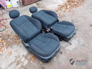 Mercedes_Vito_with_seats_Mercedes_E211_d06