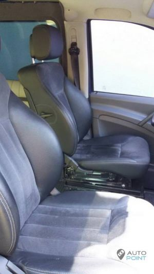 Mercedes_Vito_with_seats_Mercedes_R_class_d03