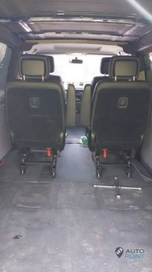 Mercedes_Vito_with_seats_Mercedes_R_class_d06
