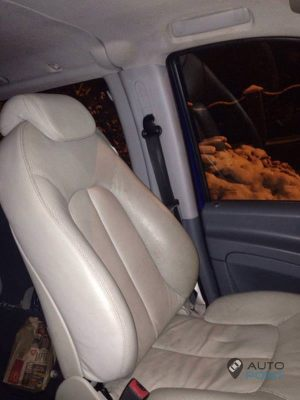 Mercedes_Vito_with_seats_Mercedes_W215_CL600_d04