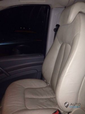 Mercedes_Vito_with_seats_Mercedes_W215_CL600_d05