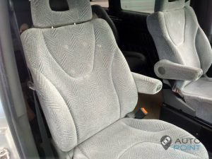 Mercedes_Vito_with_seats_Mitsubishi_Space_Wagon_d02