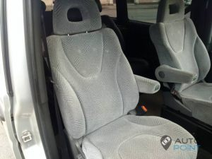 Mercedes_Vito_with_seats_Mitsubishi_Space_Wagon_d05