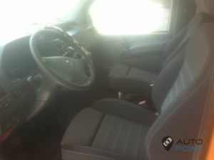 Mercedes_Vito_with_seats_Opel_Insignia_d02