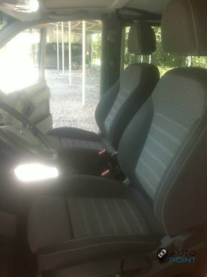 Mercedes_Vito_with_seats_Opel_Insignia_d04