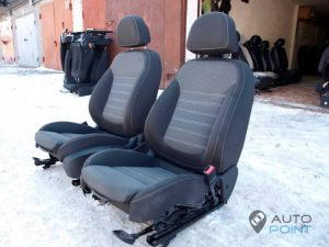 Mercedes_Vito_with_seats_Opel_Insignia_d07