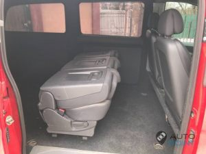 Mercedes_Vito_with_seats_Renault_Espace_d08