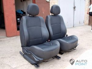 Mercedes_Vito_with_seats_Renault_Laguna_d04