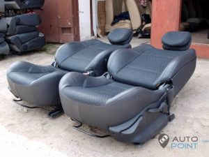 Mercedes_Vito_with_seats_Renault_Laguna_d05