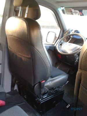 Mercedes_Vito_with_seats_Saab_d03
