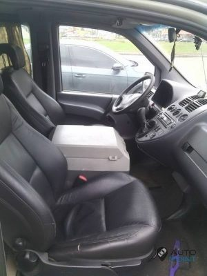 Mercedes_Vito_with_seats_Saab_d07