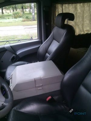 Mercedes_Vito_with_seats_Saab_d08