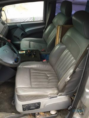 Mercedes_Vito_with_seats_VW_Phaeton_d02
