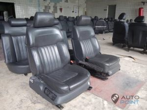 Mercedes_Vito_with_seats_VW_Phaeton_d04