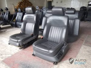 Mercedes_Vito_with_seats_VW_Phaeton_d05