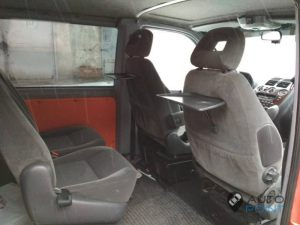 Mercedes_Vito_with_seats_VW_Sharan_2_d02
