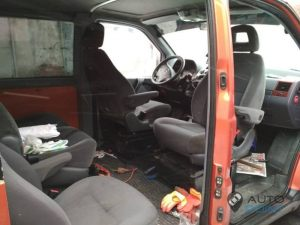 Mercedes_Vito_with_seats_VW_Sharan_2_d03