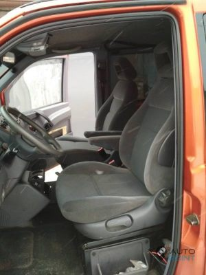 Mercedes_Vito_with_seats_VW_Sharan_2_d05