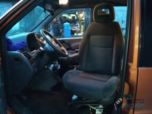 Mercedes_Vito_with_seats_VW_Sharan_2_d07