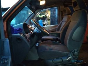 Mercedes_Vito_with_seats_VW_Sharan_2_d12