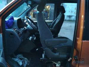 Mercedes_Vito_with_seats_VW_Sharan_2_d13