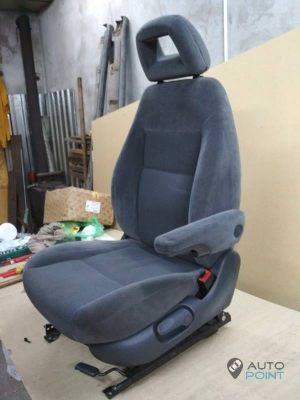 Mercedes_Vito_with_seats_VW_Sharan_2_d18