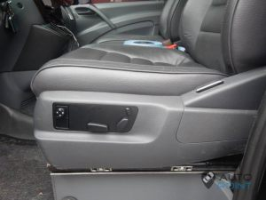Mercedes_Vito_with_seats_VW_Touareg_d04