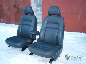 Mercedes_Vito_with_seats_Volvo_d10