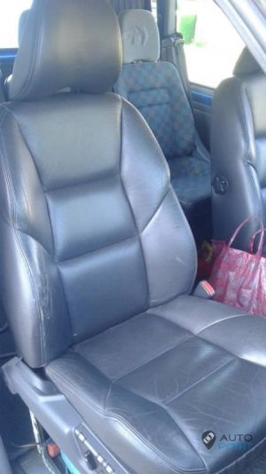 Mercedes_Vito_with_seats_Volvo_S60_d03