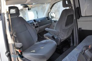 Transporter_T5-seats_VW_Sharan_front_d01