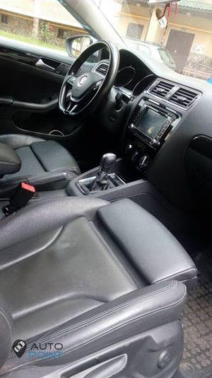 VW_Jetta-seats_Audi_Q5_d15