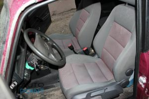 Seats_VW_Golf-2104_d02