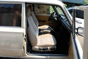 Seats_BMW3-2101_d02