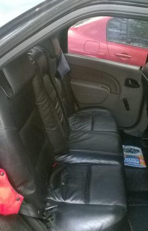 Seats_BMW7_E38-Renault_Logan_d09